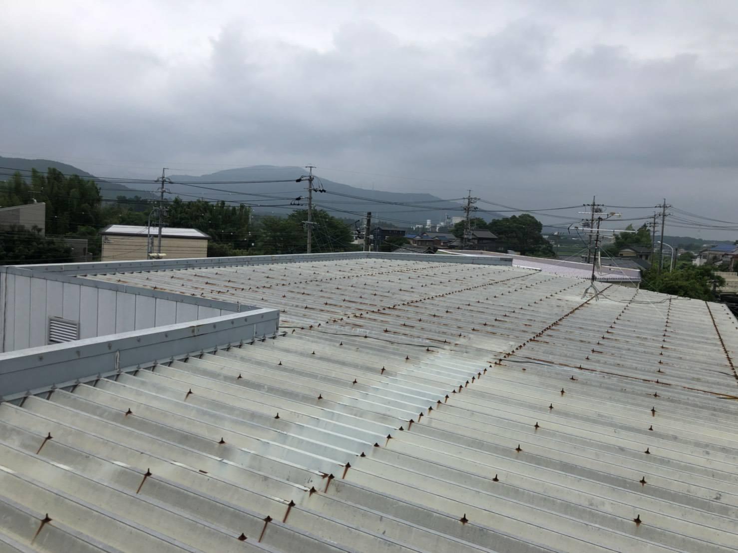 新城市 杉山 工場の折半屋根塗装工事
