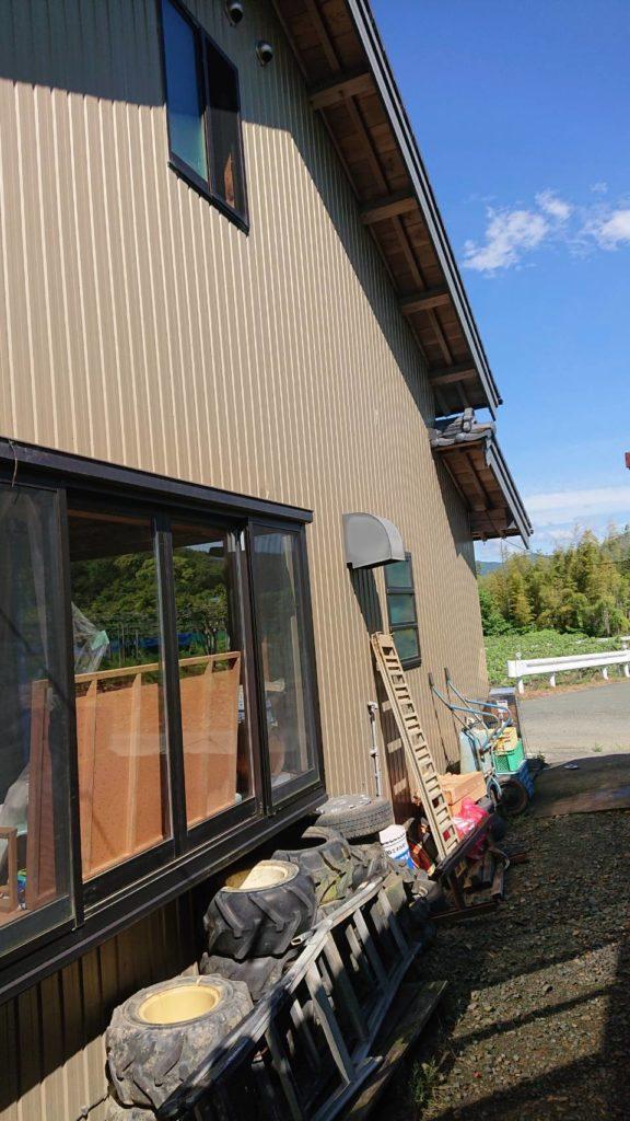 石巻西川町 事務所トイレ新設、本棚施工、雨漏り修繕工事等