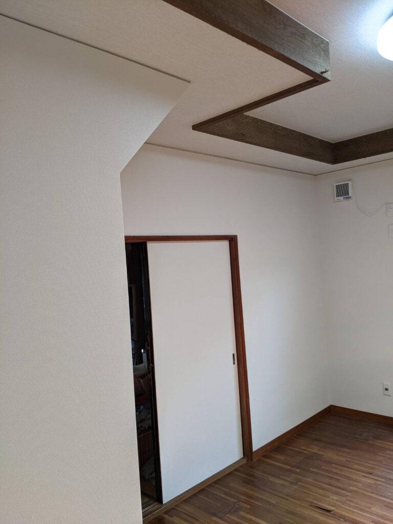 豊橋市冨士見町 床の張替え工事・壁紙と天井の張替え